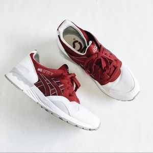 Asics Gel-Lyte V white and berry colors size 7